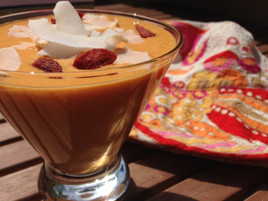 mango goji smoothie